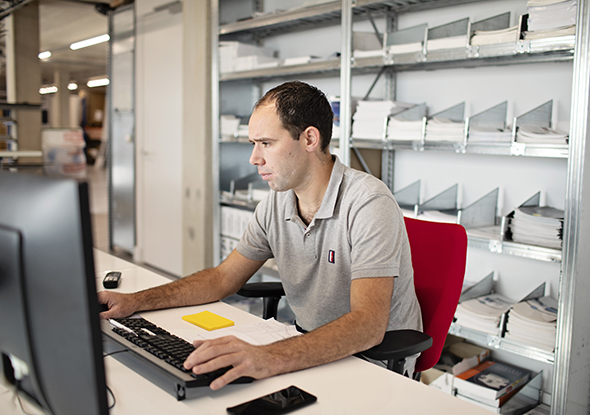Arne de Jonge | logistiek medewerker